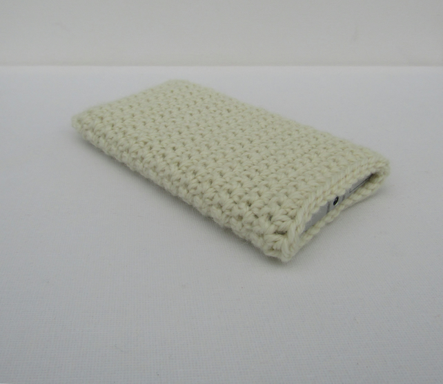 Crochet mobile phone cover