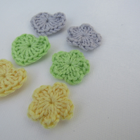 Mini crochet flowers and hearts