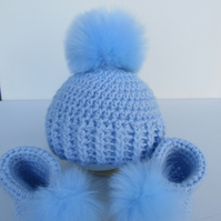 Crochet hat and bootie set