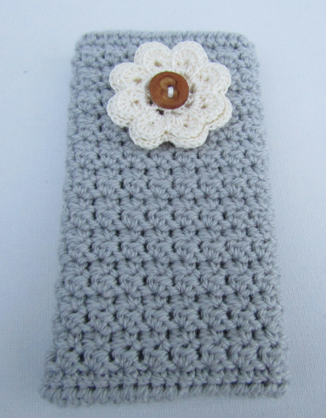 Crochet phone cover.