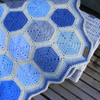 Crochet hexagon baby blanket