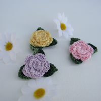 3 x crochet roses with leaves