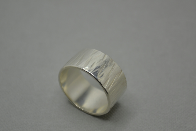 Bark Effect Band Ring 10mm