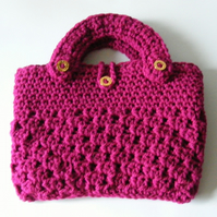 Crocheted bag tablet holder