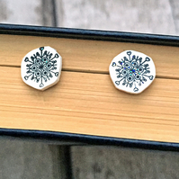 Wintery snowflake stud earrings