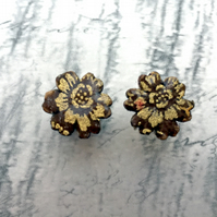 Flower stud earrings in Japanese Washi paper brown, beige and gold