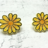Yellow Daisy flower stud earrings