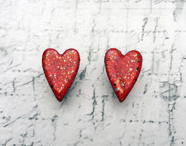 Red heart stud earrings wooden long country heart embossing enamel