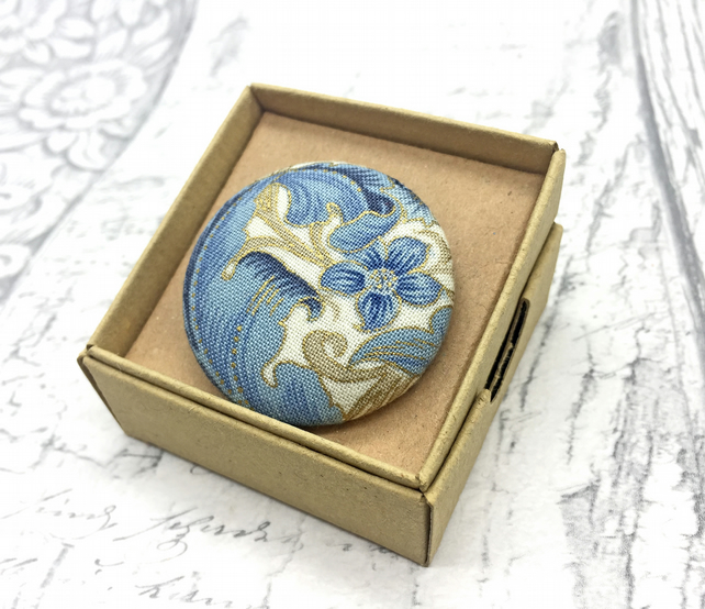 Blue Swirling foliage William Morris pattern fabric button brooch