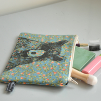 Bear illustration screen printed floral make up bag - Small