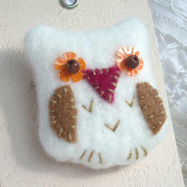 Fabric Owl Brooch - cream and tan