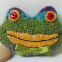 Woollen Frog Brooch - with felt, buttons & ribbon detail