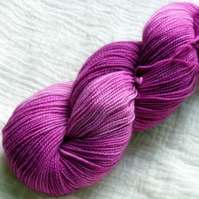 'Raspberry Ruffle' - Superwash BFL/Nylon High Twist Sock Yarn 100g