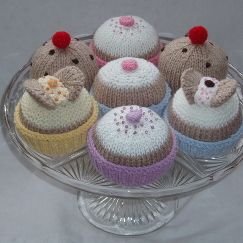 Knitted cakes knitting pattern by email - butte... - Folksy