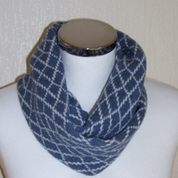 Merino Lambswool Circle Scarf Denim Blue Cream