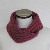 Merino Lambswool Circle Scarf Pink Coal Grey