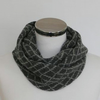 Merino Lambswool Circle Scarf Coal Grey Perl