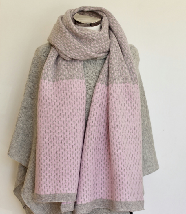 Scarf Shawl Wrap Soft Merino Lambswool Pearl Grey Middle and Piglet Pink Ends