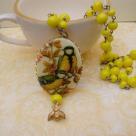 Bird Vintage Cabochon Beaded Necklace.......