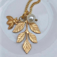 Leafe & Bee Necklace......