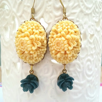 Floral Cabochon Earrings..........