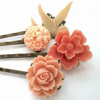 Peach Set of Bobby Pins......