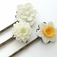Pretty Set White Bobby Pins.....