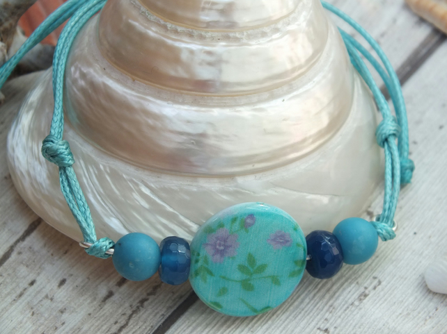 Boho Beach Bracelet, shell bracelet Blue flowers