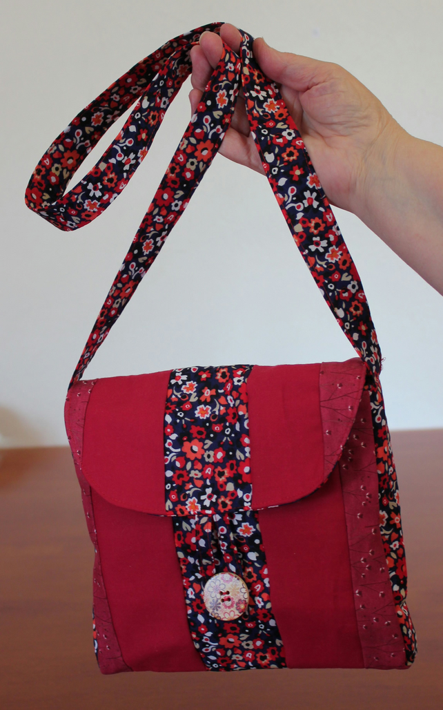 iPad size patchwork shoulder bag. 3 fabric patchwork with button.