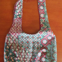 Reversible bag. Maroon and Green Pattern.
