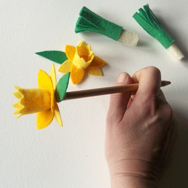 Leek and Daffodil Pencil Toppers Set -
