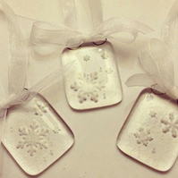 Snowflake Embossed Glass Decorations (Set of Five)