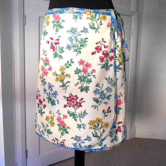 SALE Vintage Fabric Wrap SPRING Skirt