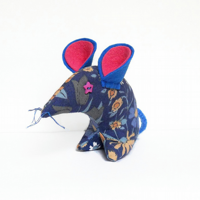 Pretty Blue Vintage  Mouse