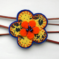SALE Funky Retro Floral Daisy Brooch - Stocking filler
