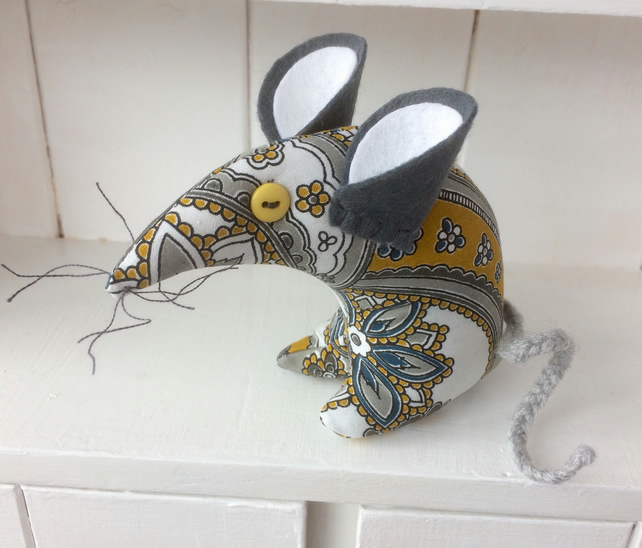 HI PETEY ! Retro Paisley Mouse