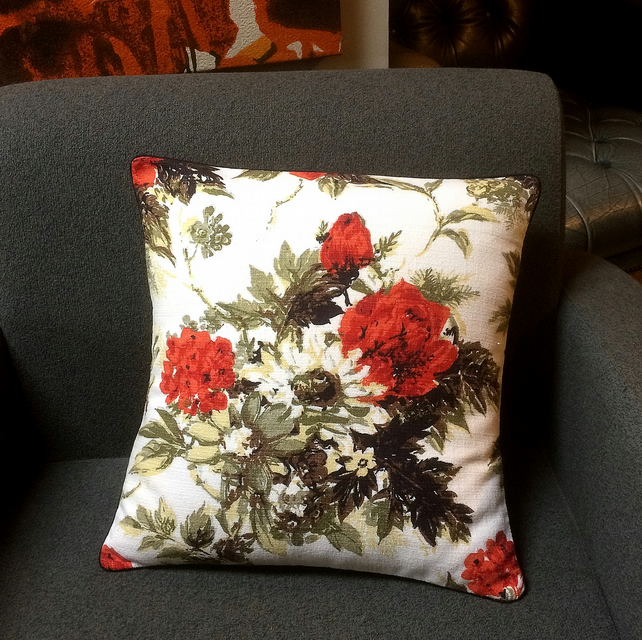 SALE 50s Retro Floral RED ROSE Barkcloth Vintage Fabric Cushion