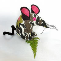 HI Jazz ! a Funky Retro Mouse  in Wonderful Barkcloth Vintage Fabric