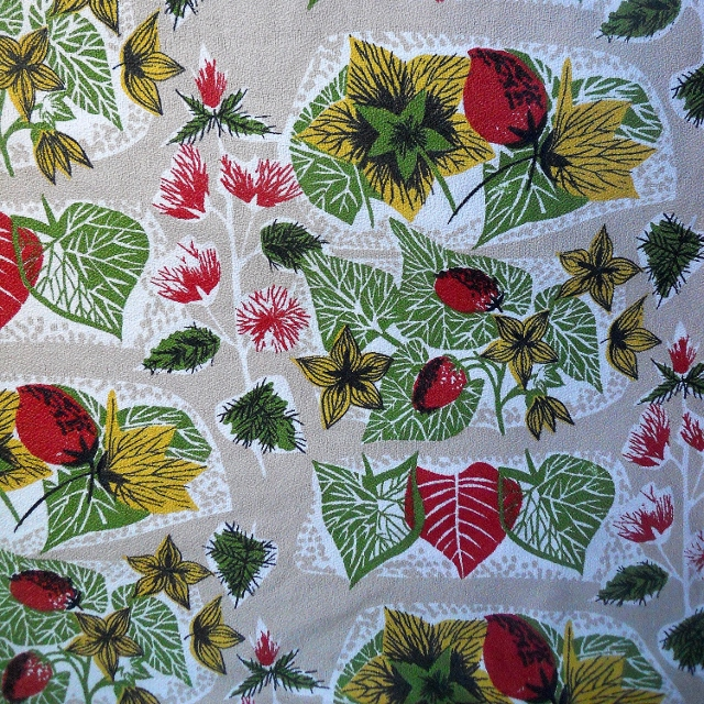 Lovely 50s MCM Strawberry and Leaf BARKCLOTH VIntage Fabric Lampshade option