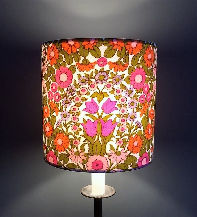 Summer Sunshine Floral Daisy Chain Pat Albeck  vintage fabric Lampshade option