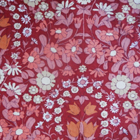 Devine Dusky Red Floral Daisy Chain Pat Albeck  vintage fabric Lampshade option
