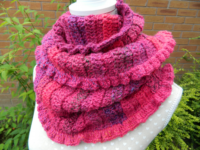 Snood Cowl Scarf in Shades of Pink