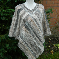 Poncho in Brown, Cream