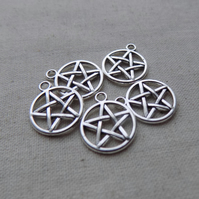 10 Silver tone Pentacle Charms 20 x 17 mm