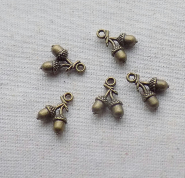 10 Antique Bronze tone 3D Acorn Charms 15 X 11 mm