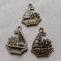 SALE - 8 Antique Bronze tone Boat Charms 29 mm