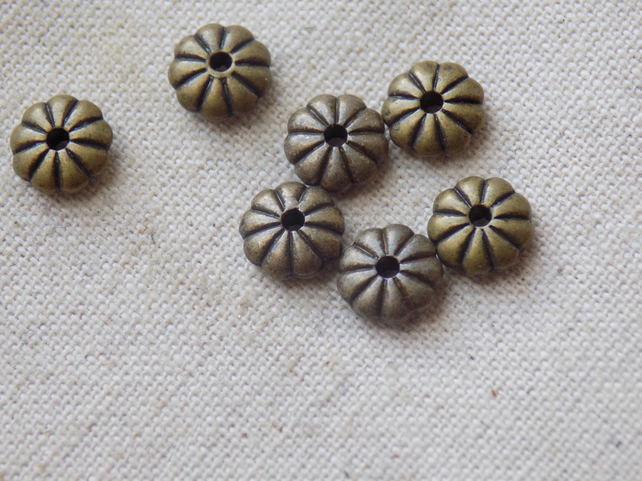 50 Antique Bronze tone Flower Spacer Beads 7 x 2mm