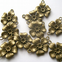 10 Antique Bronze tone Flower Connectors 18 x 27 mm