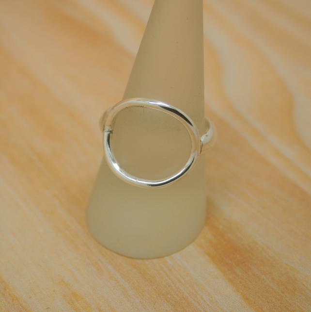 Sterling silver circle ring size R