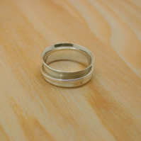 Sterling silver spinner ring size O